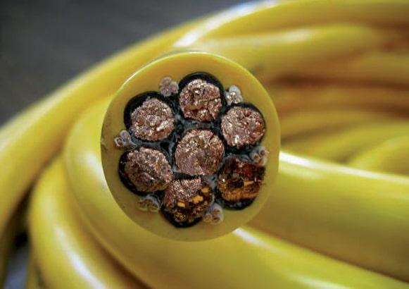 Intérieur câble